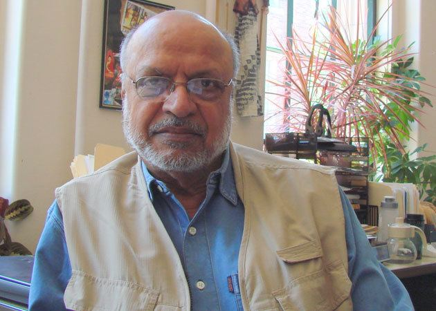 Shyam Benegal Shyam Benegal conferred with Excellence in Cinema Award