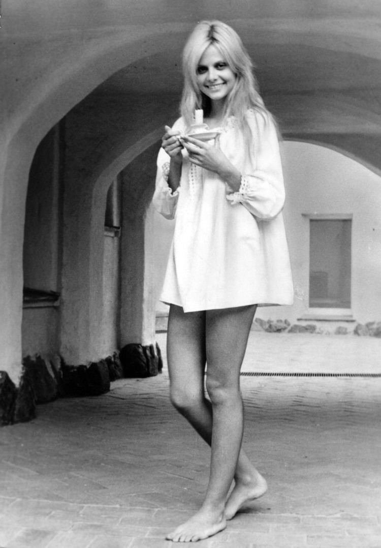 Silvia Dionisio (born 1951)