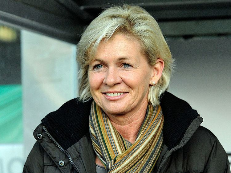 Silvia Neid Silvia Neid quotTo Sweden and no detours pleasequot DFB