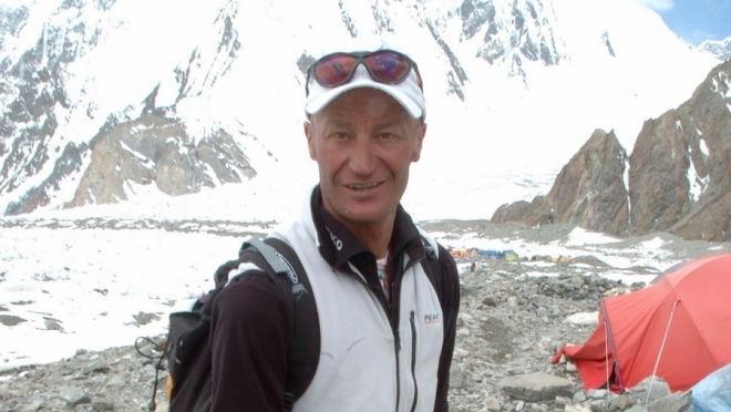 Silvio Mondinelli Silvio Mondinelli sube al Everest con oxgeno