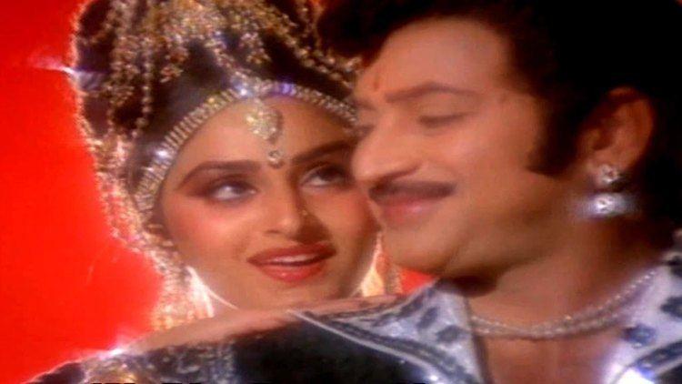 Simhasanam (1986 film) Akashamlo Okatara Full Video Song Simhasanam Movie Krishna