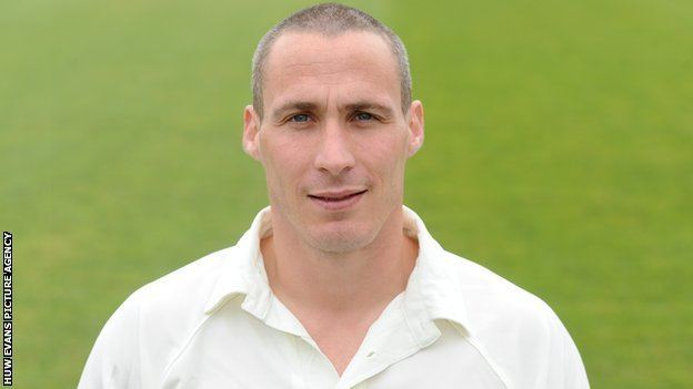 Simon Jones (Cricketer)