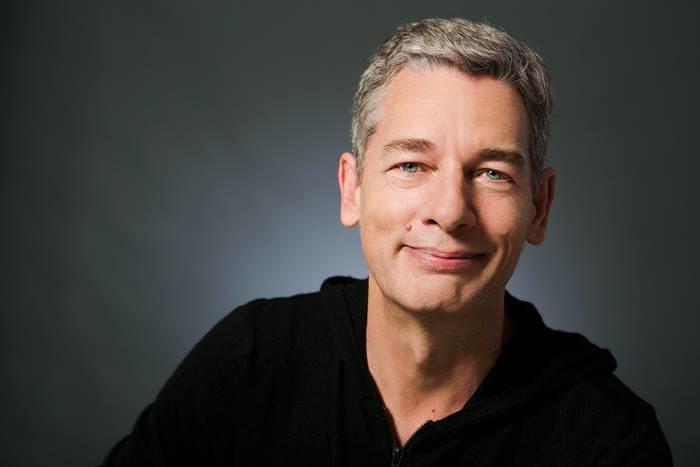 Simon Moore (writer) httpsuploadwikimediaorgwikipediacommonsff