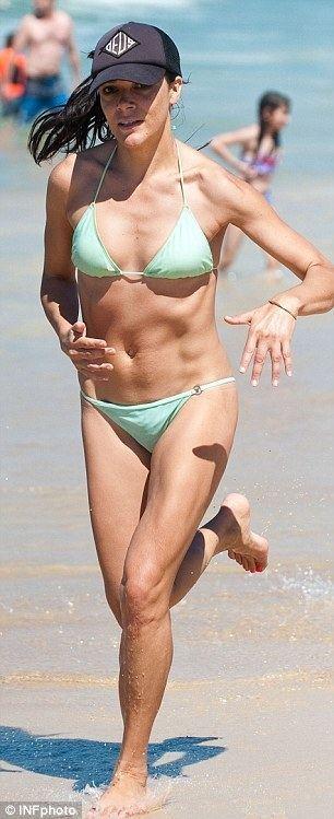 Simone Kessell Simone Kessell sizzles in a bikini on Sydneys Bondi Beach looking