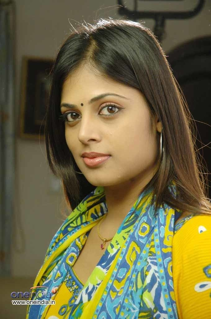 Sindhu Menon Sindhu Menon Photos Sindhu Menon Images Wallpapers
