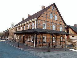 Single Brothers' House httpsuploadwikimediaorgwikipediacommonsthu