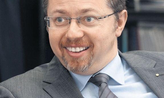 Siniša Varga Sinia Varga uspio je ui u Vladu mlai brat Tomislav nee u HPB