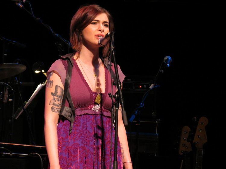 Siobhan Magnus Siobhan Magnus Part III Singing with the Bee Gees Alice Cooper