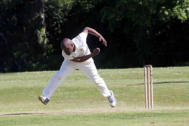 Sipho Mashele IMG4135RH Sipho Mashele bowling for St Peters by Ron Hill 105