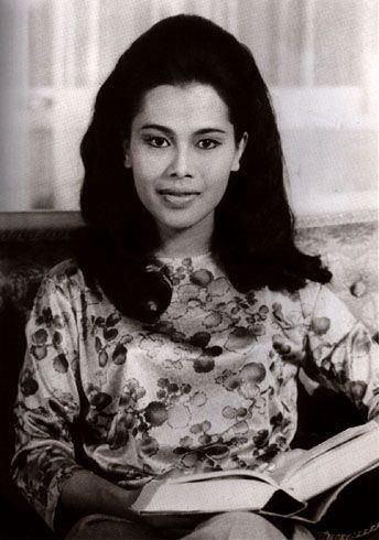 Sirikit Queen Sirikit of Thailand My Beloved Queen Pinterest