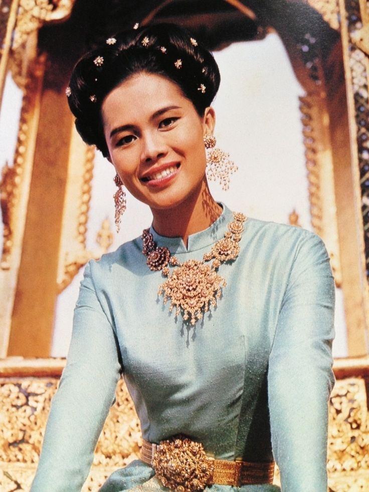 Sirikit Camilles Samui Info blog Queen Sirikits 84th Birthday