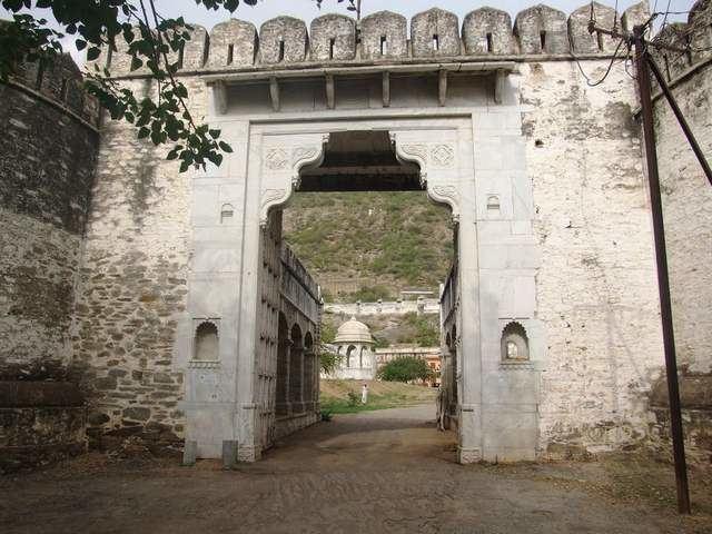 Sirohi wwwtourismguideindiacomimagesRajasthanSirohi