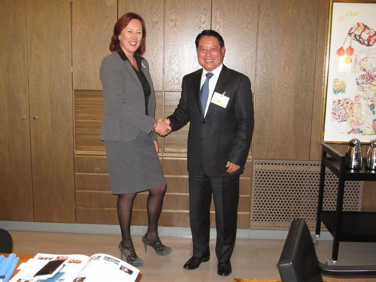 Sirpa Paatero 2014DG with the Minister for International Development of