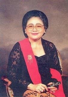Siti Hartinah uploadwikimediaorgwikipediaid660Sitihartin