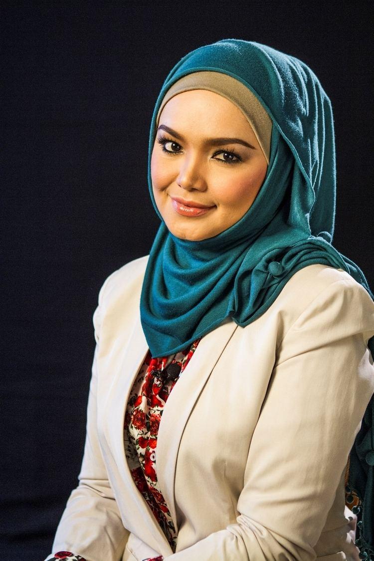 Siti Nurhaliza Malaysian Of The Year by Wong Xue Yun Yeo Jia Yee Bryan