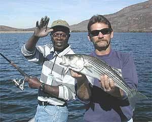 Skinner Reservoir wwwlandbigfishcomimagesfishingspotsCALakeSki