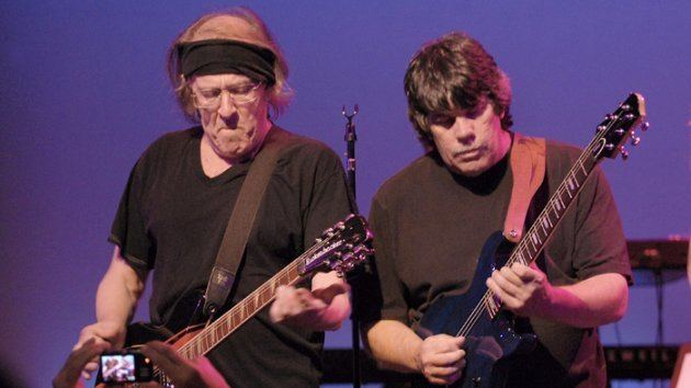 Slick Aguilar Guitarist Slick Aguilar to Rejoin Jefferson Starship for Two Shows