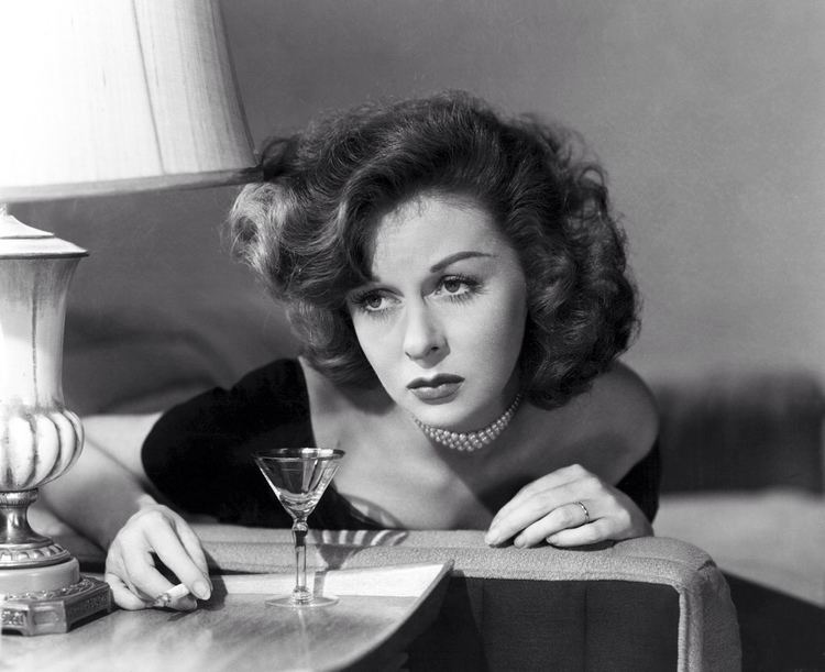 Smash-Up, the Story of a Woman On the edge Susan Hayward in SmashUp The Story of a Woman 1947