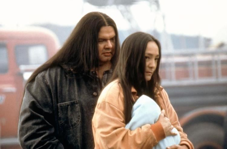 Smoke Signals (film) movie scenes SMOKE SIGNALS Gary Farmer Tantoo Cardinal 1998 c Miramax