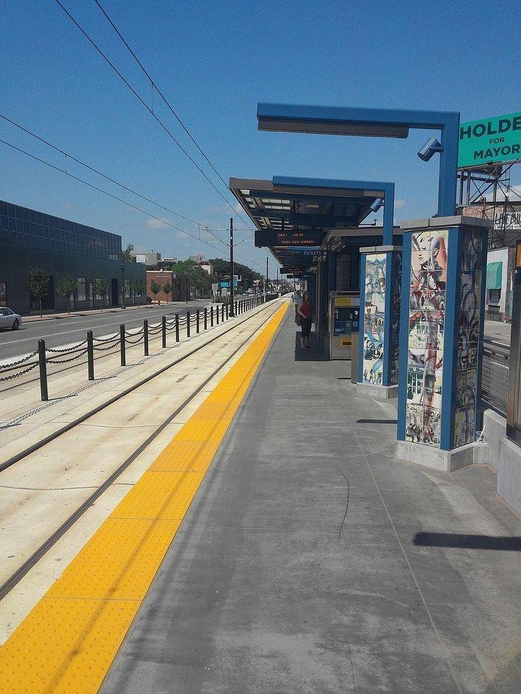 Snelling Avenue (Metro Transit station)