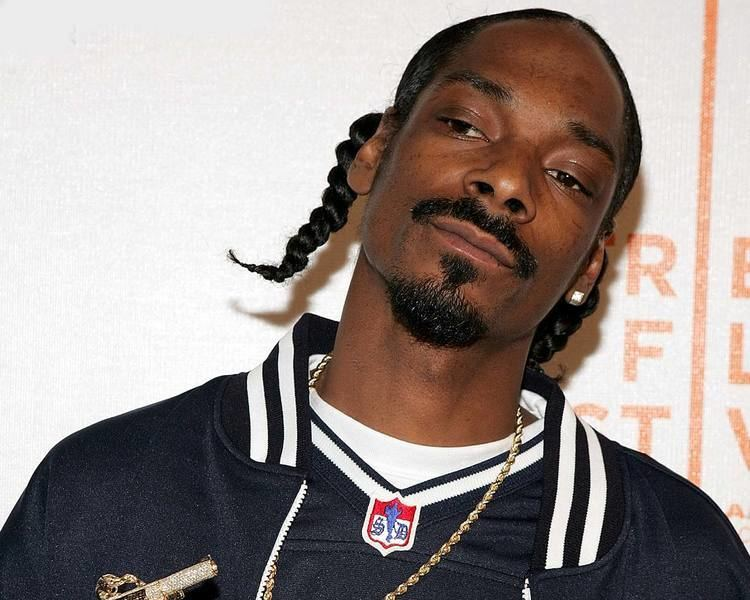 Snoop Dogg Snoop Dogg Kicked Out Of Long Beach By Gang Members Rap