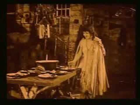 Snow White (1916 film) Marguerite Clark in Snow White 1916 YouTube