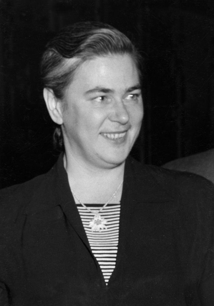 Soia Mentschikoff httpsuploadwikimediaorgwikipediacommons77