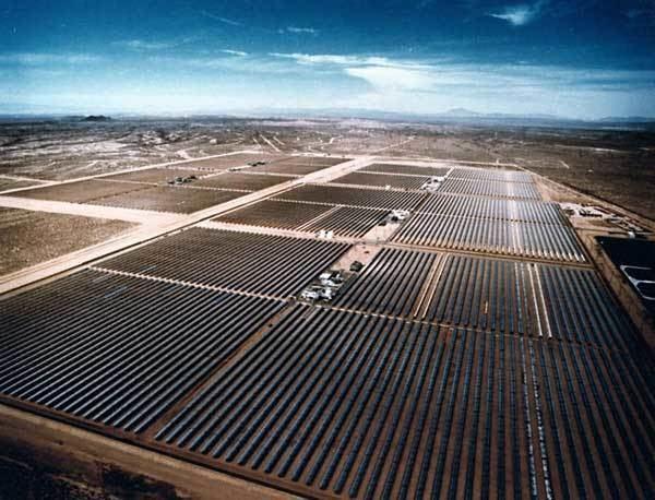 Solar power plants in the Mojave Desert wwwbasinandrangewatchorgimageskramerjunction
