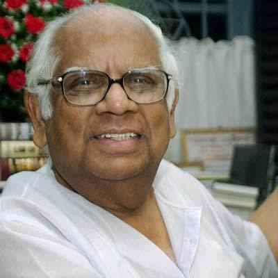 Somnath Chatterjee Sitaram Yechuri indicates CPIM may take back Somnath
