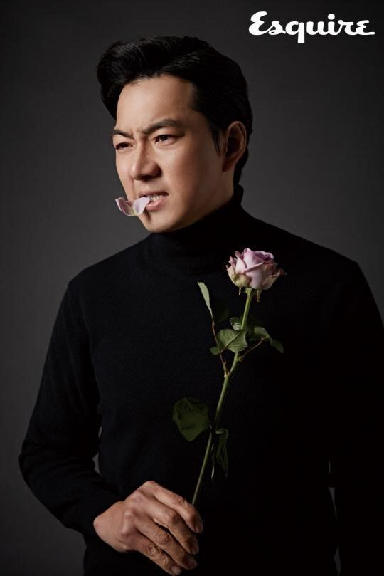 Song Il-gook Song Il Gook Exudes Masculinity in a Pictorial for Esquire Soompi