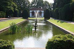 Spalding War Memorial httpsuploadwikimediaorgwikipediacommonsthu