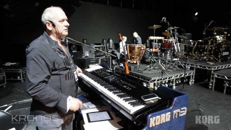 Spike Edney Queen39s Keyboard Player Spike Edney Behind the scenes