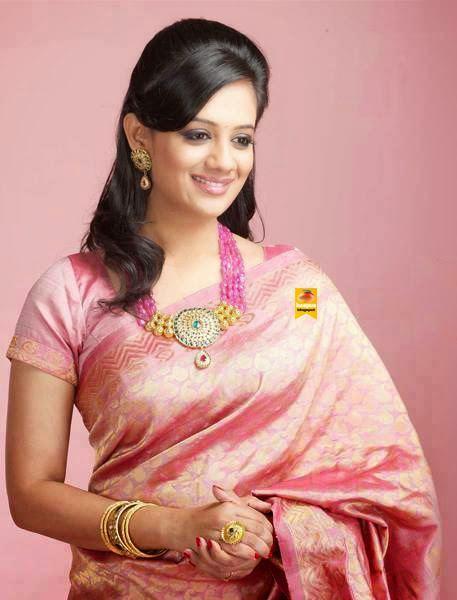 Spruha Joshi Spruha Joshi Glorious Photos in Saree haapusblogspot