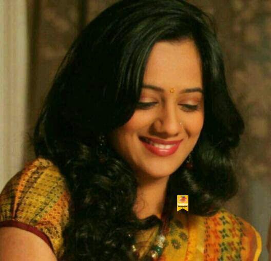 Spruha Joshi Spruha Joshi Looking Cute in Saree haapusblogspot