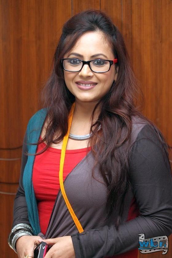 Sreelekha Mitra Meghe Dhaka Tara 2013 Opens in Kolkata in Star Studded