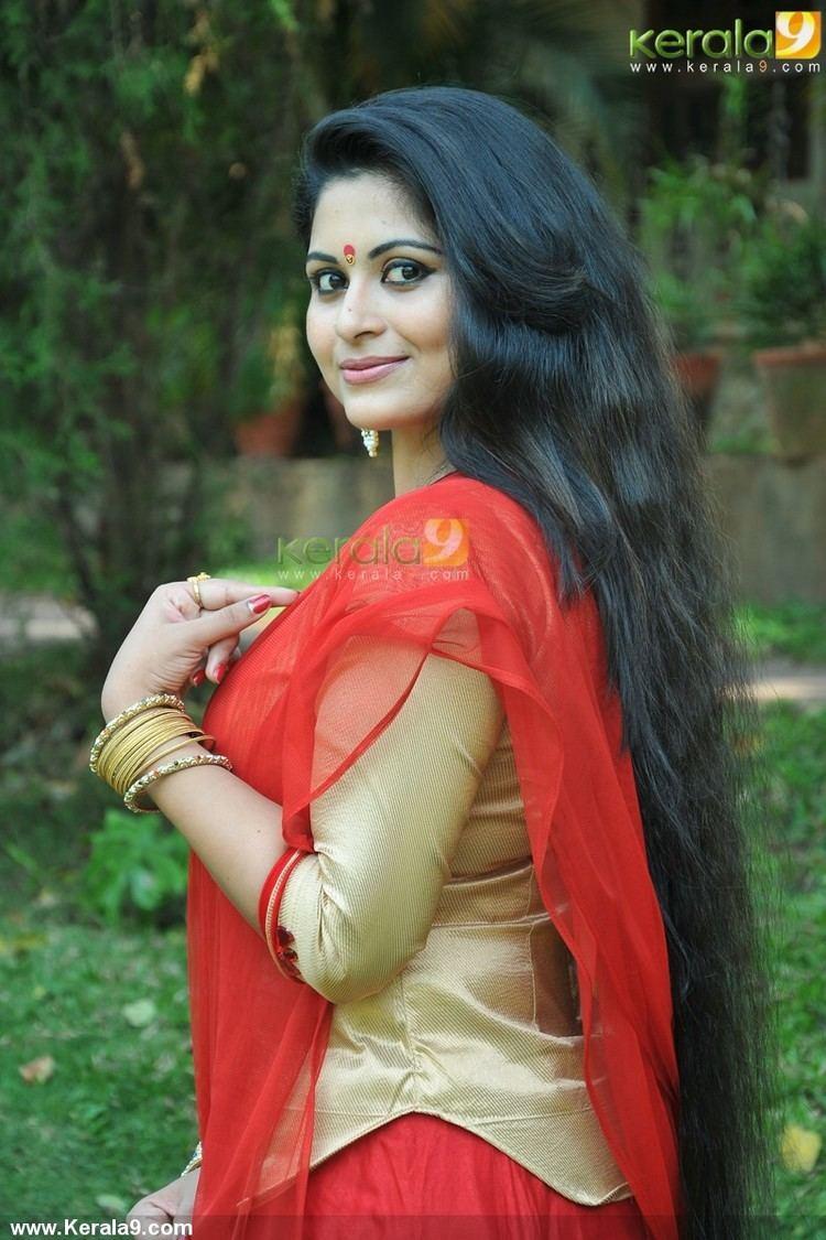Sruthi Lakshmi Sruthi Lakshmi at mizhi thurakku malayalam movie pooja