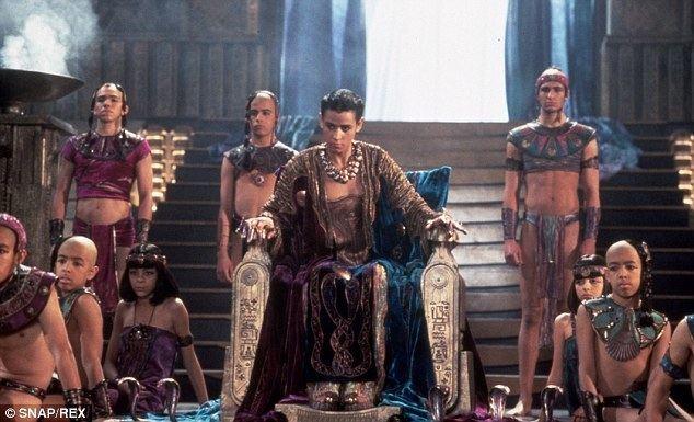 Stargate (film) movie scenes A return to the Stargate universe Jaye Davidson as the sun god Ra in the