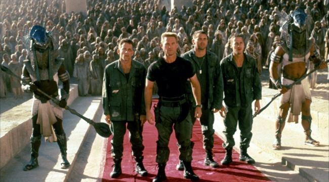 Stargate (film) movie scenes James Spader and Kurt Russell in Stargate 1994
