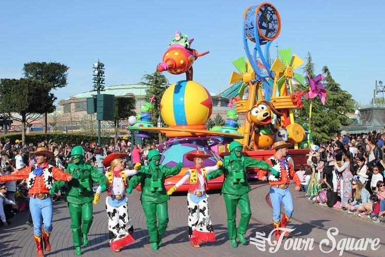 Stars on Parade (film) Disney Stars on Parade A 100 fun parade DLP Town Square