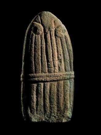 Statue menhir Statuemenhir dite la quotDame de SaintSerninquot Muse Fenaille