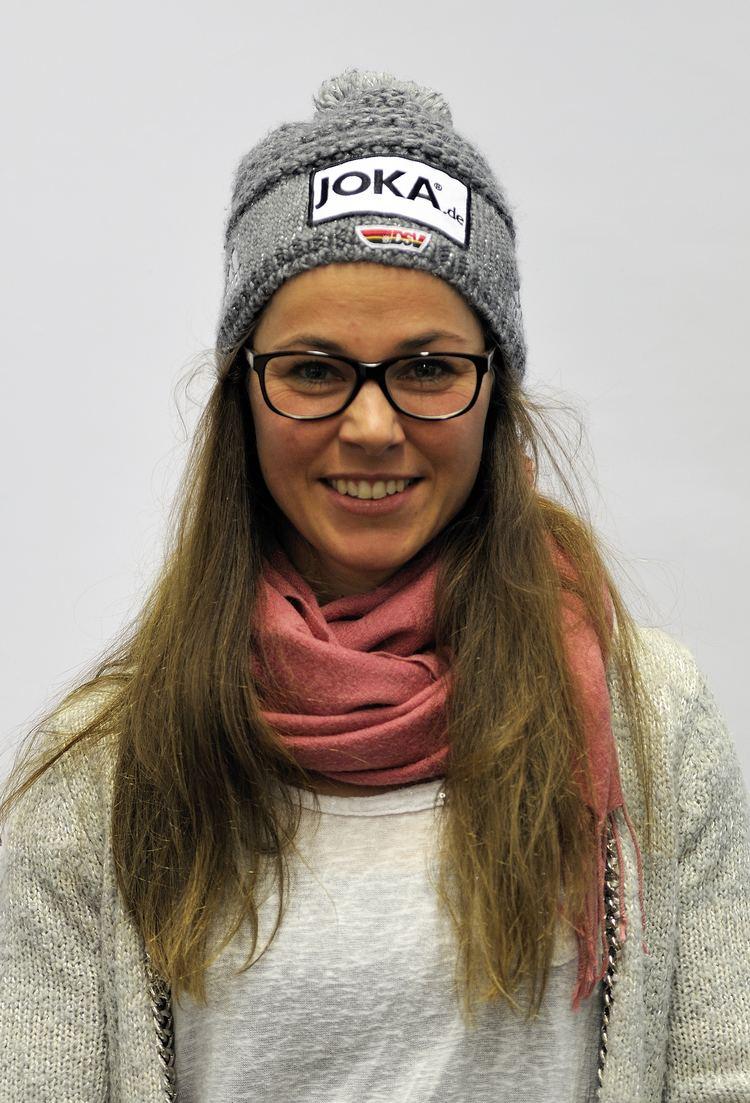 Stefanie Böhler FileStefanie Bhler bei der OlympiaEinkleidung Erding 2014 Martin