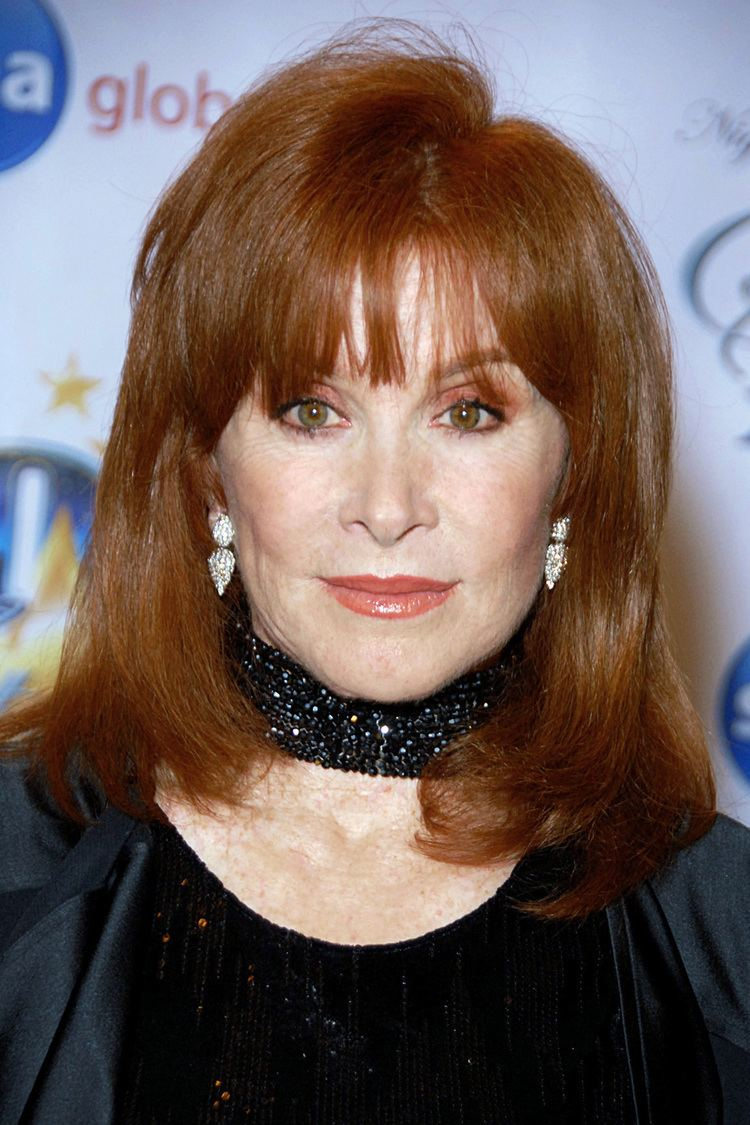 Stefanie Powers httpsuploadwikimediaorgwikipediacommons55