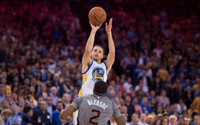 Stephen Curry LOOK Stephen Curry made 77 straight threes in Warriors