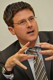Stephen Hale httpsuploadwikimediaorgwikipediacommonsthu