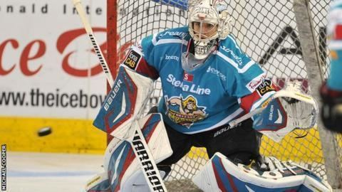 Stephen Murphy (ice hockey) Netminder Stephen Murphy staying with Belfast Giants BBC Sport