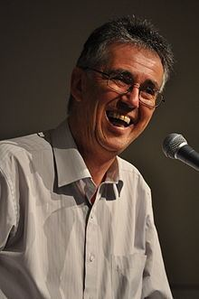 Steve Biddulph httpsuploadwikimediaorgwikipediacommonsthu
