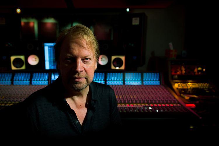 Steve Booker (producer) d2tqs0ajv7k9aucloudfrontnetSteve20Booker20wit