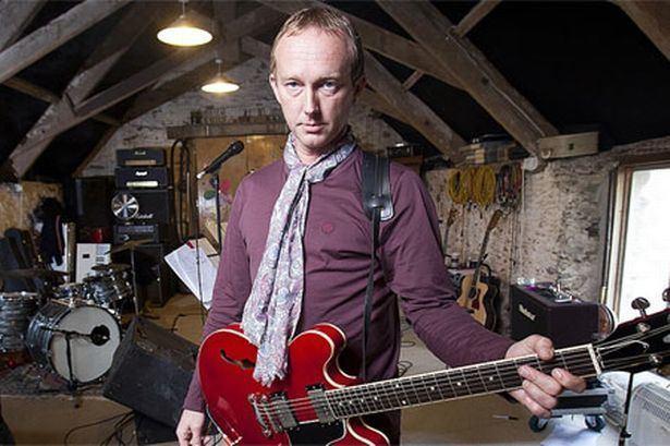 Steve Cradock One of the UK39s busiest musicians Steve Cradock returns to