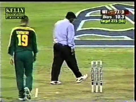 Steve Elworthy hostile bowling Shiv Chanderpaul aggresive batting