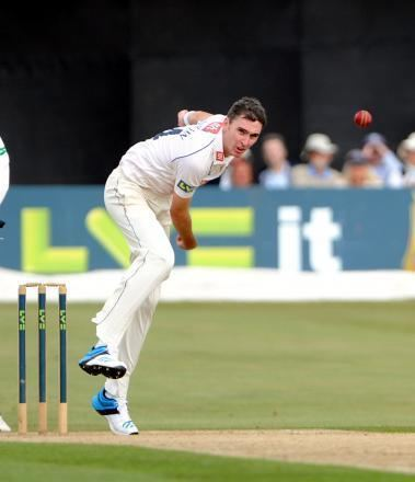 Steve Magoffin Magoffin burst gives Sussex hope From The Argus